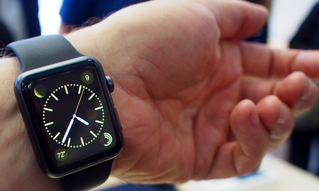 04_10_2015_Apple_Store_Watch_Express_preview_top-1-640x385