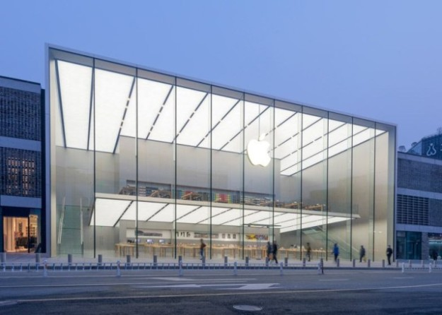 Apple-Store-Westlake-Hangzhou-China-by-Foster-and-Partners_dezeen_784_1-640x457